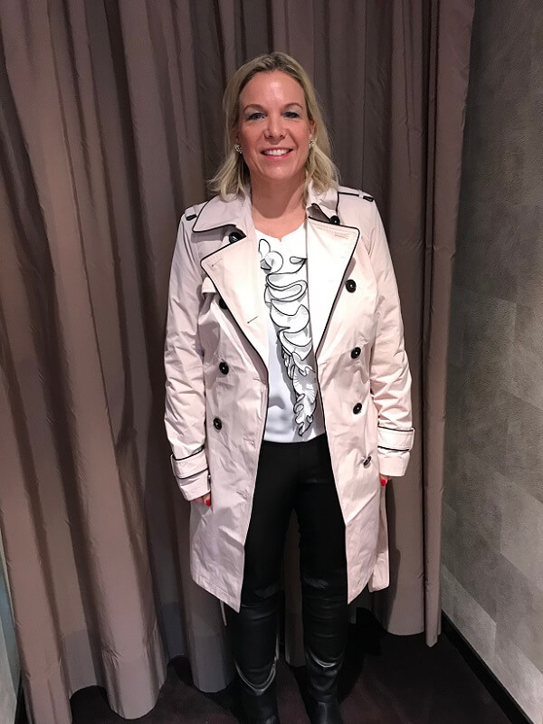 Personal Shopping in München mit Petra helle Mantel
