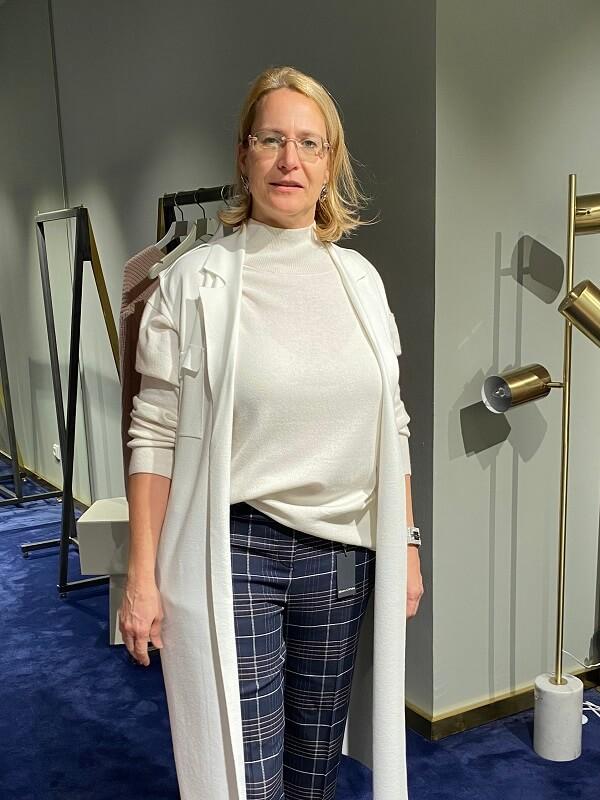 Stilberatung München mit Sonja weisse top