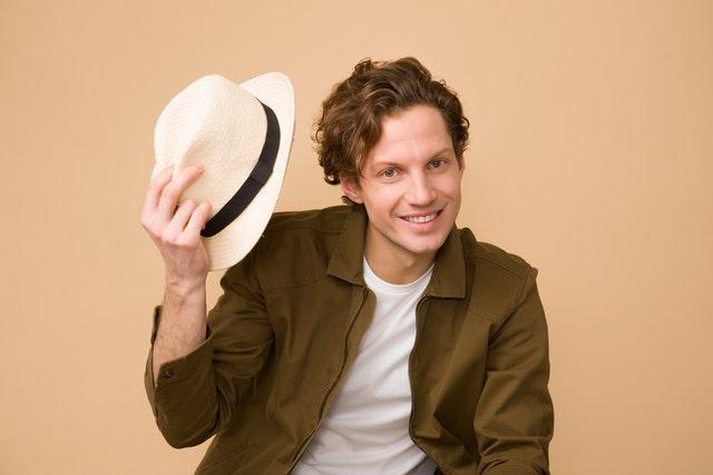 Herr mit Hut, Farb und Stilberatung